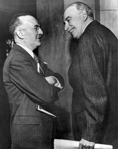Harry Dexter White (r.) und John Maynard Keynes (l.) 1946; zwei führende Architekten der Nachkriegsarchitektur der Finanzmärkte Quelle & Autor: International Monetary Fund Lizenz: Public Domain Die Originaldatei finde sich hier.